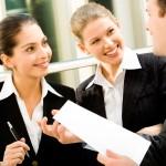 Infographie : avoir des amis au travail vous rend plus heureux