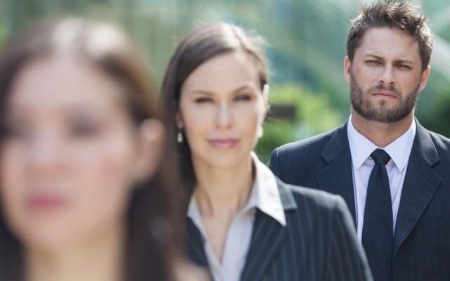Employeurs  comment déjouer l'imposture d'un faux CV CDM