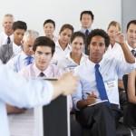 Parler en public avec brio grâce à la méthode P.O.M