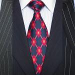 La cravate est-elle devenue ringarde ?