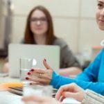 Communication non-verbale : décoder pour mieux convaincre
