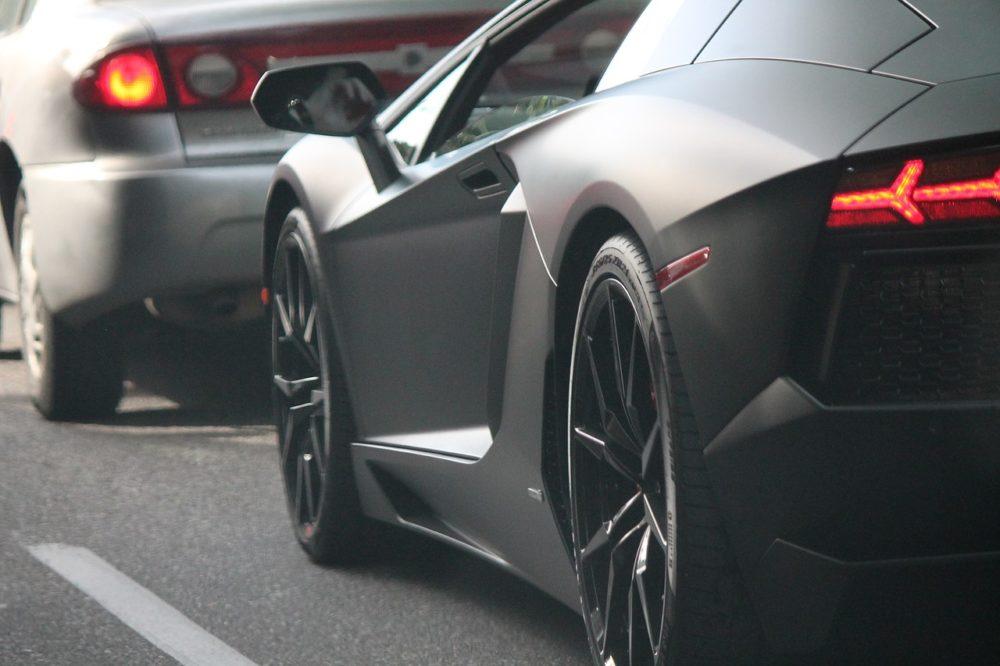 La voiture de luxe au service de l image de marque de - Image voiture cars ...