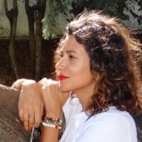 Julie Teodoro, psychologue du travail et formatrice en développement personnel chez Positive You
