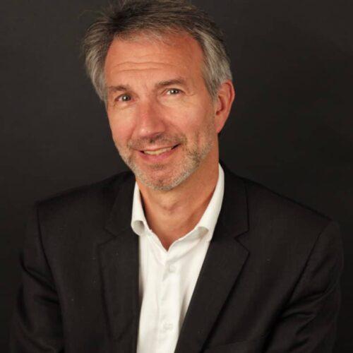 Eric Lhomme, Directeur des Activités Stratégiques RH chez Oasys Consultants